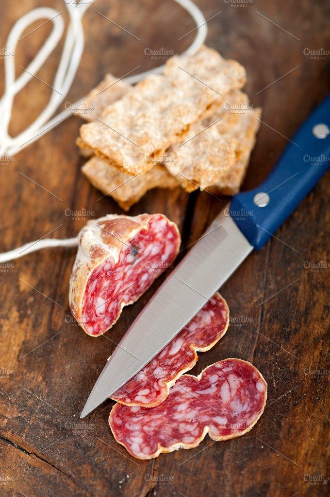 Italian salame pressato slicing 016.jpg - Food & Drink