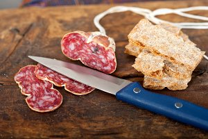 Italian salame pressato slicing 017.jpg