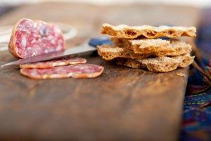 Italian salame pressato slicing 021.jpg