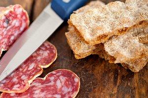 Italian salame pressato slicing 023.jpg