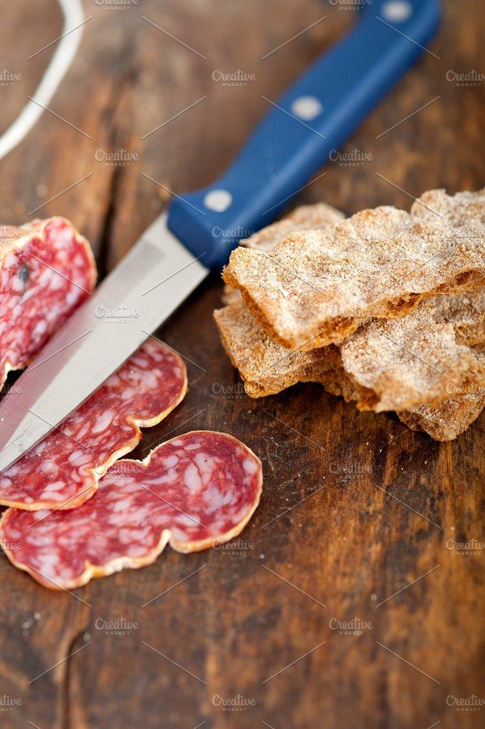 Italian salame pressato slicing 023.jpg - Food & Drink