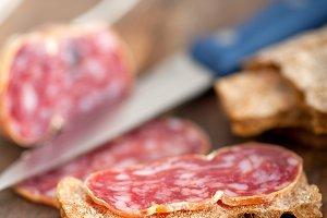 Italian salame pressato slicing 026.jpg