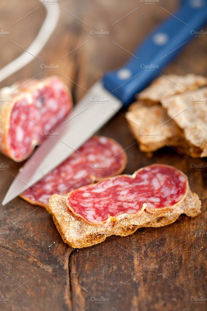 Italian salame pressato slicing 025.jpg - Food & Drink