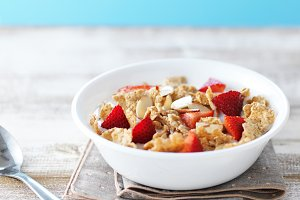 cereal with almonds and strawberries