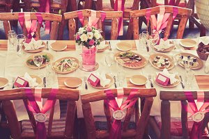Wedding Table Magenta Style