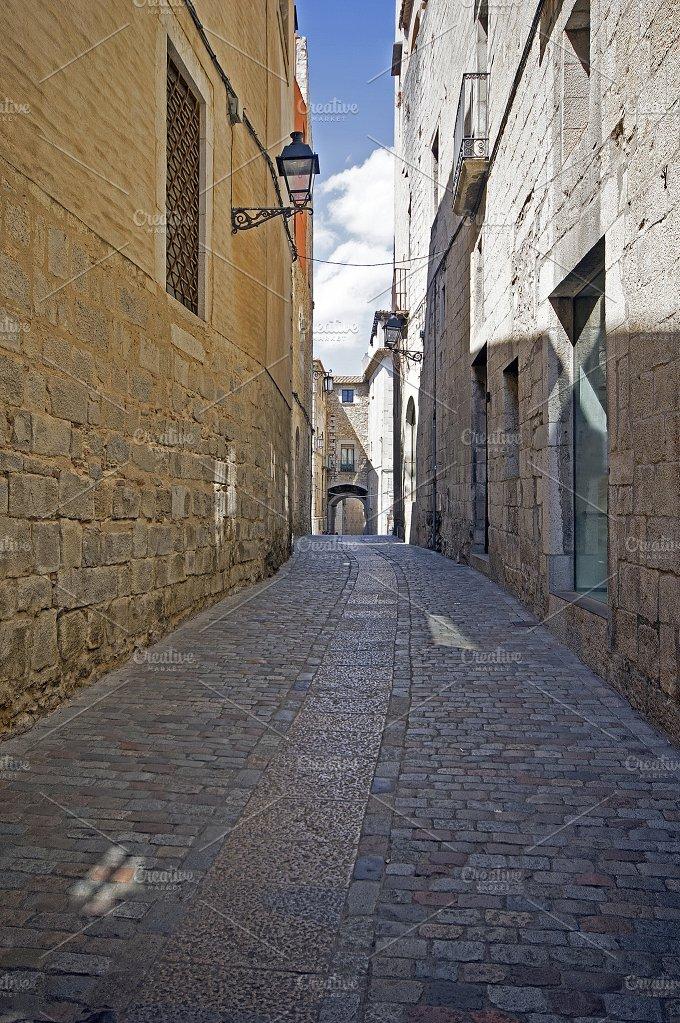Old street of Girona,Catalonia.jpg - Photos