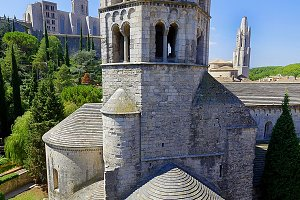 Sant Pere de Galligants, Benedictine abbey, Girona, Spain.jpg