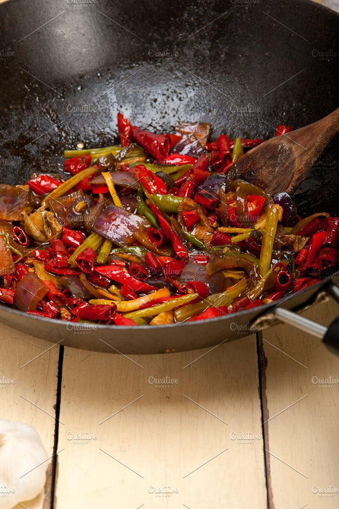 fried chili pepper and vegetables 002.jpg - Food & Drink