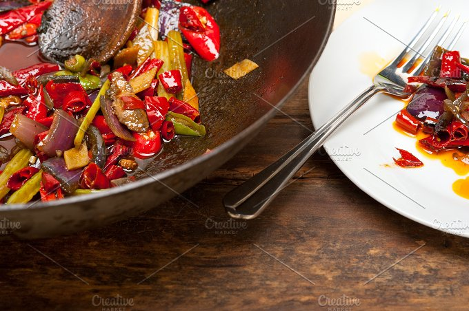 fried chili pepper and vegetables 025.jpg - Food & Drink