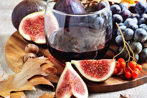 Red wine, figs, and grapes -2