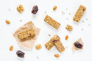 Healthy snack: granola bars