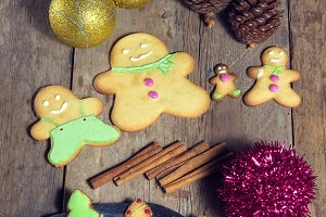 Cookies and Christmas decorations