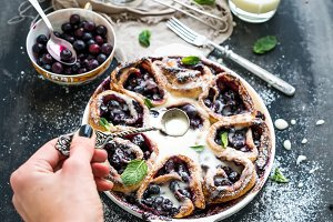 Blueberry buns with fresh mint
