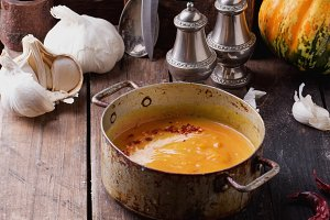 Spicy pumpkin cream soup