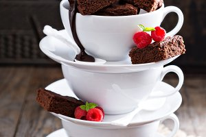 Brownies in stacked coffee cups
