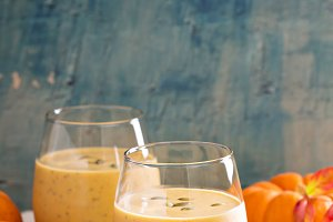 Healthy pumpkin smoothie copy space