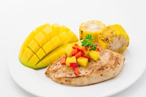 Food plate: chicken with salsa