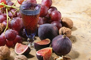 Red wine, grapes and figs