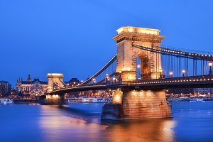 The evening view of the Chain bridge