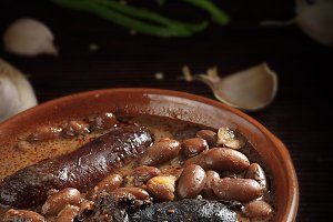 Spanish fabada with sausage