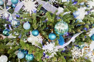 Blue Themed Christmas Tree