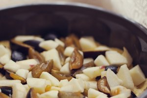 Making an autumn pie