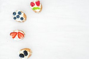 Soft cheese sandwiches with berries