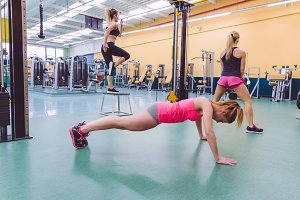 Women training in a crossfit circuit