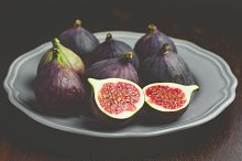 Fresh figs on plate