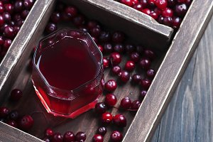 Fresh cranberry juice