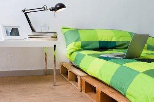 Pallet bed diy in modern bedroom