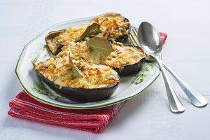 Meat stuffed eggplant