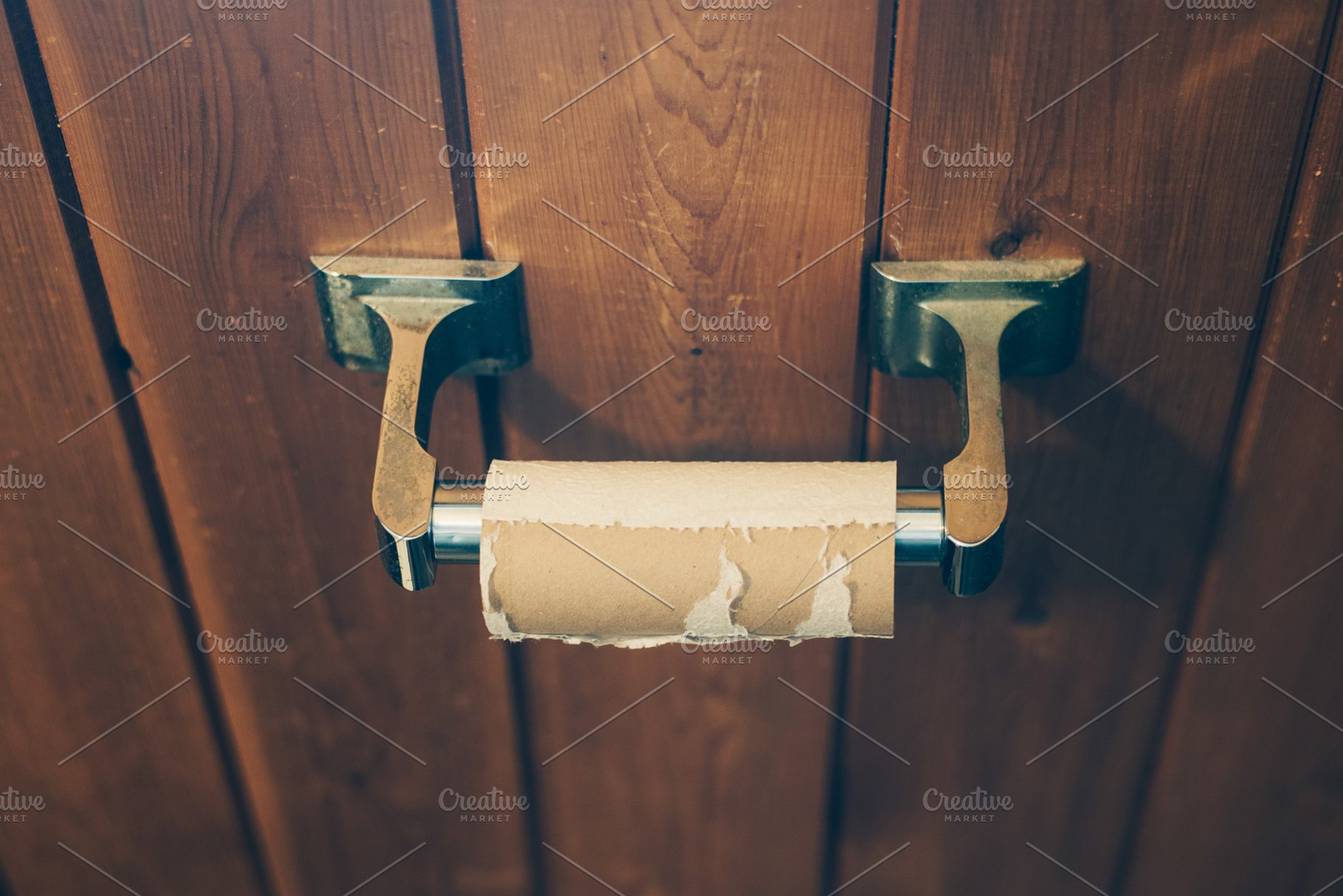 Empty Toilet Paper Roll From Above | High-Quality Health Stock ...