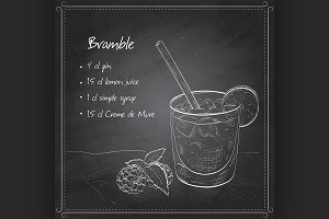 Cocktail Bramble on black board