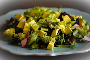 Avocado & Mixed Greens Salad
