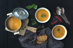 Red lentil soup with spices