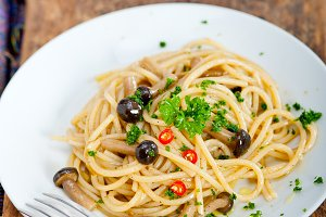 Italian pasta and mushrooms sauce 002.jpg