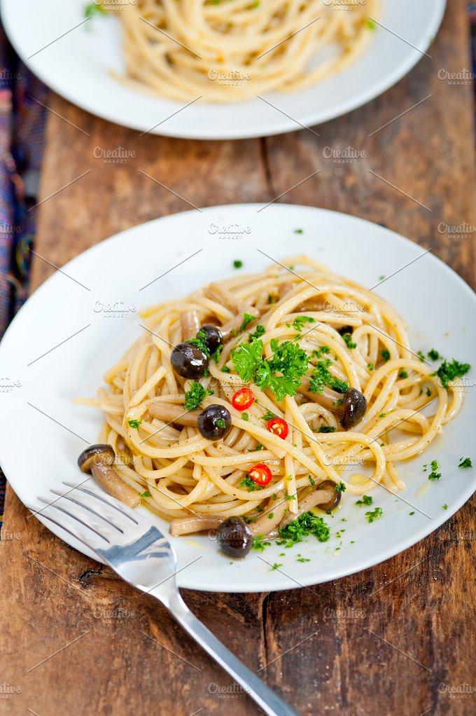 Italian pasta and mushrooms sauce 002.jpg - Food & Drink