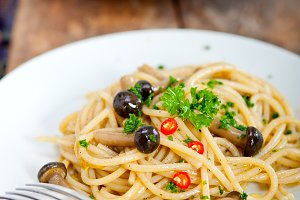Italian pasta and mushrooms sauce 001.jpg