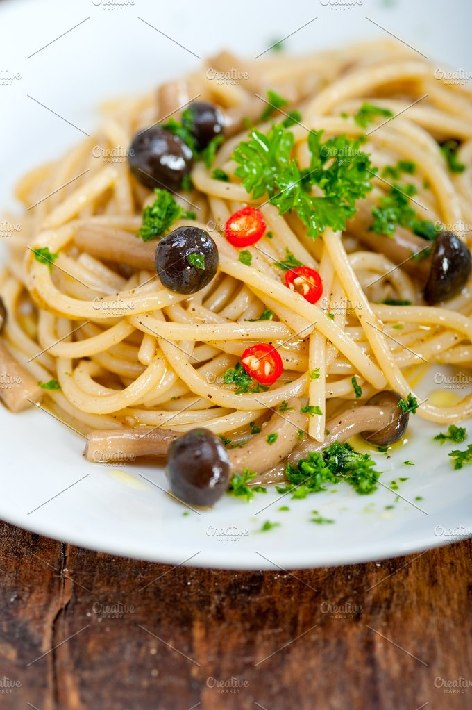 Italian pasta and mushrooms sauce 006.jpg - Food & Drink