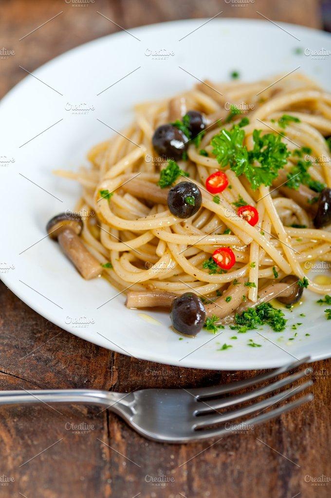 Italian pasta and mushrooms sauce 007.jpg - Food & Drink