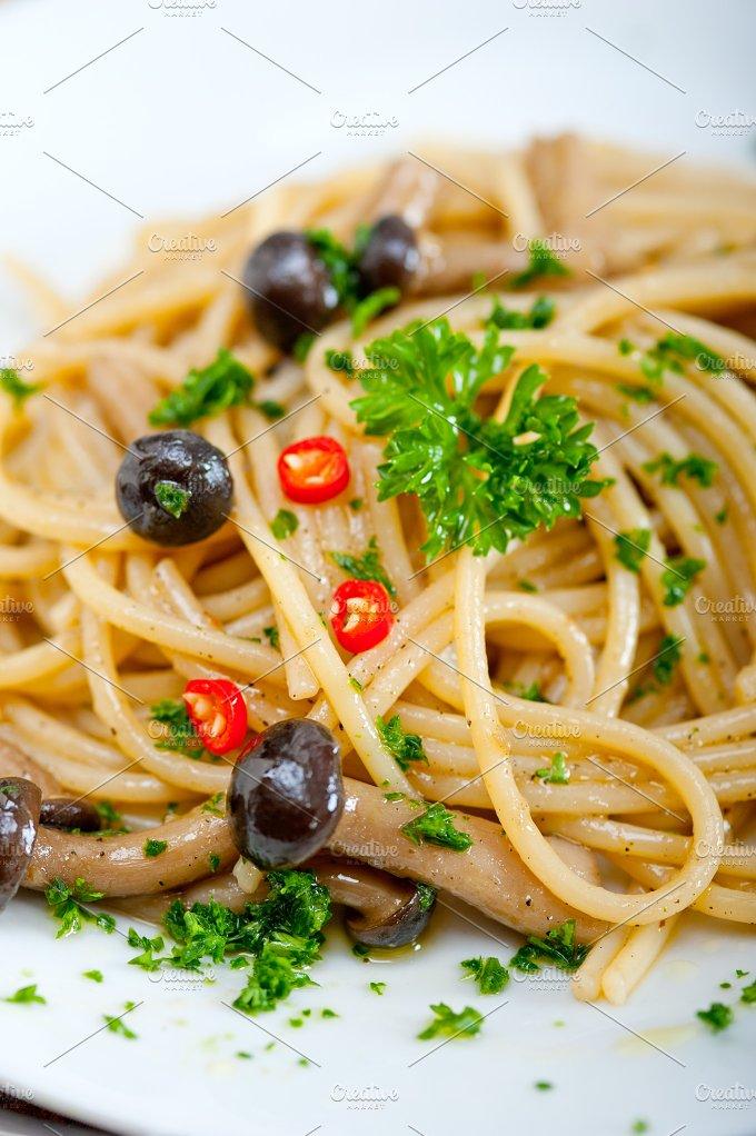 Italian pasta and mushrooms sauce 012.jpg - Food & Drink