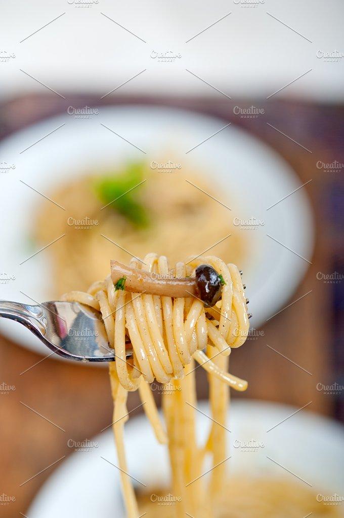 Italian pasta and mushrooms sauce 015.jpg - Food & Drink