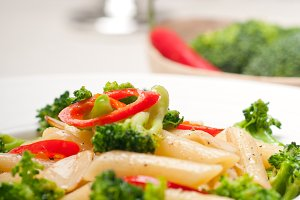 Italian penne pasta with broccoli 05.jpg