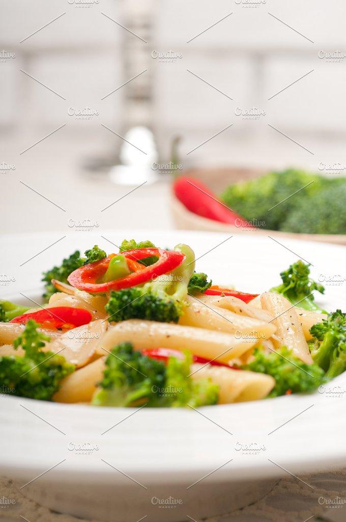 Italian penne pasta with broccoli 05.jpg - Food & Drink