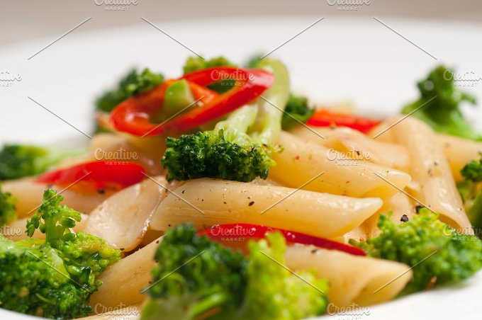 Italian penne pasta with broccoli 14.jpg - Food & Drink