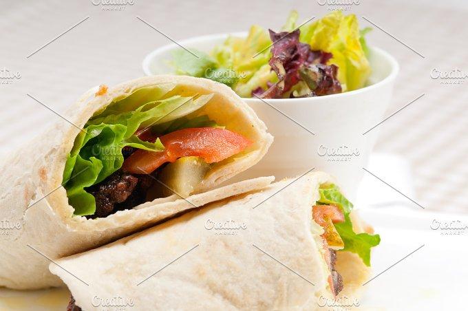 kafta chicken tomato lettuce pita wrap sandwich 02.jpg - Food & Drink
