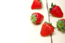 strawberries on white wood table 002.jpg