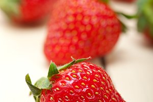strawberries on white wood table 004.jpg