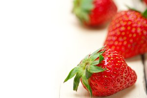 strawberries on white wood table 006.jpg